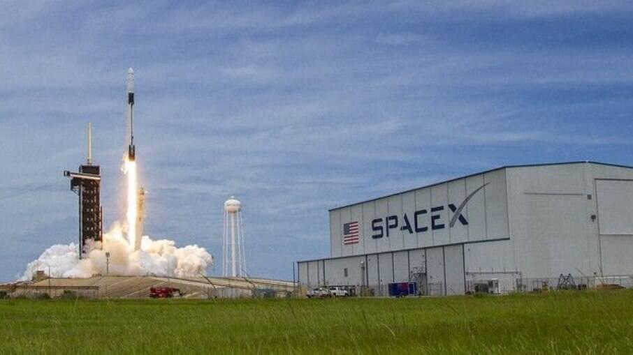 SpaceX vai mandar tripulação ao espaço