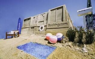 Já pensou em se hospedar num castelo de areia? Agora é possível