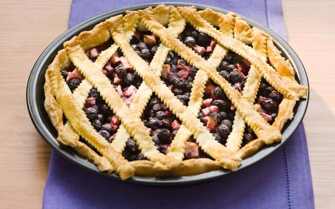 Foto da receita Torta de blueberry e maçã pronta.