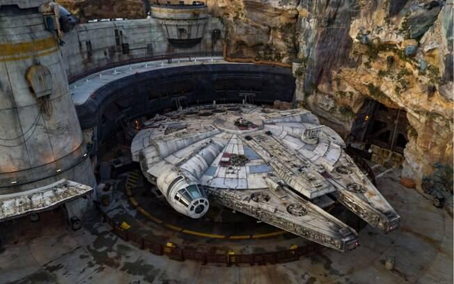 É possível pilotar a Millennium Falcon em Star Wars Galaxy's Edge