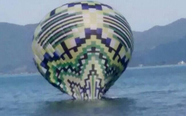 Polícia Militar Ambiental apreendeu balão na Praia da Freira
