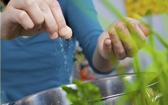 Sal de ervas pode ser uma boa opção na cozinha