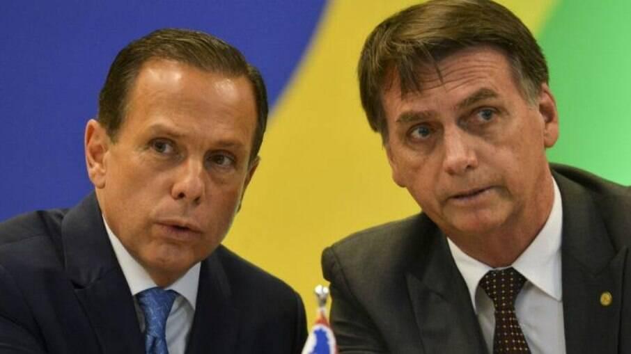 Bolsonaro disse que medidas restritivas servem para atingir seu governo; São Paulo foi um dos estados que adotou restrições