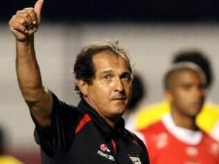 Rogério segue prestigiado com Muricy Ramalho no comando tricolor