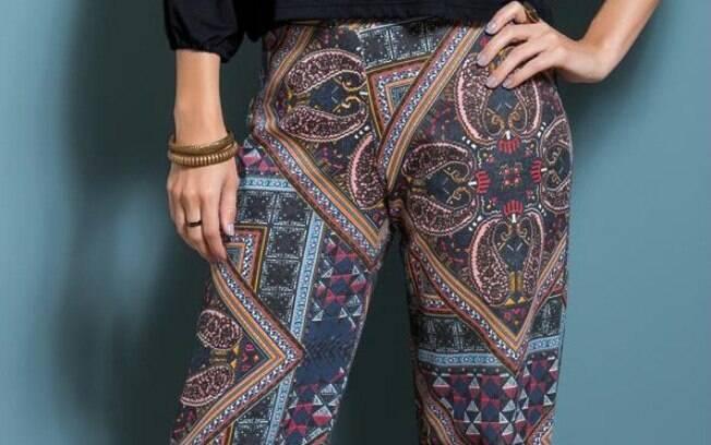 Calça Pantalona Estampada com Cintura Média por R$ 49,99