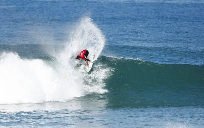 Adriano de Souza, o Mineirinho, conquistou o título da etapa brasileira do Circuito Mundial de surfe