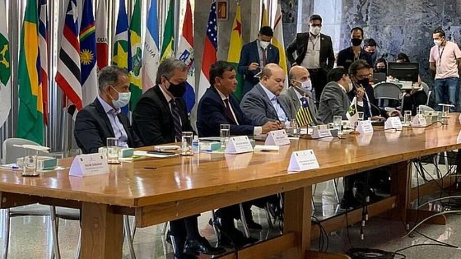 Governadores receiam motim de ala bolsonarista das PMs