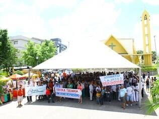 Cerca de 500 pessoas se reúnem em manifestação contra construção de presídio em Esmeraldas