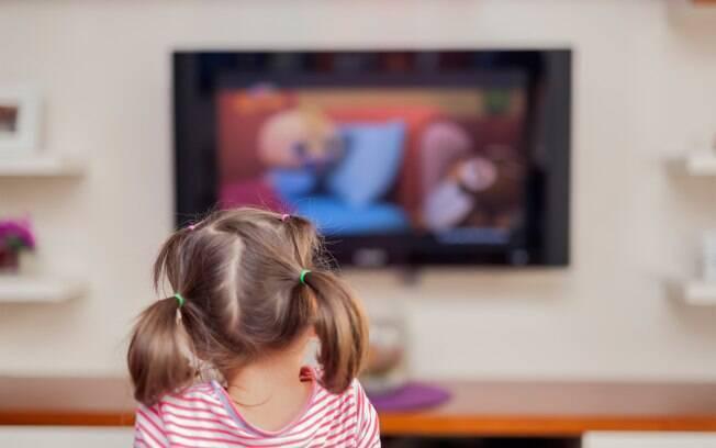 A televisão é aliada durante a quarentena