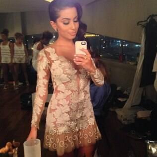 Anitta se prepara para o show de Roberto Carlos