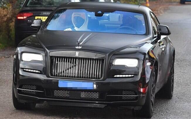 Um carro de luxo causou uma das discussões entre Mourinho e Pogba