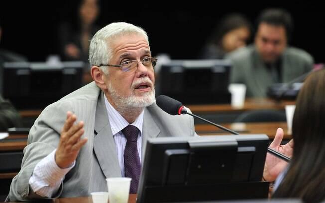 Jorge Solla (PT-BA) propôs a Lei Jair Bolsonaro