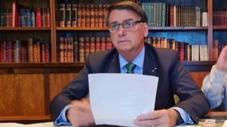 Presidente Jair Bolsonaro é criticado por juízes