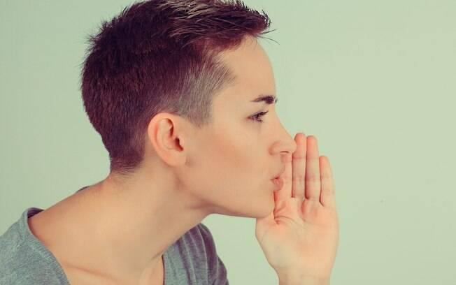Você pode estar preocupada, ansiosa ou com medo de falar alguma coisa e por isso sonha que está sem voz