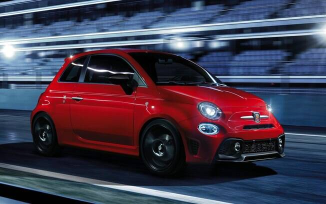 Fiat 500 Abarth 595 Pista vem com visual agressivo e pode ser personalizado conforme o gosto do freguês