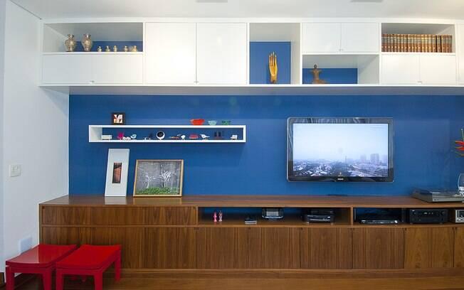 Paredes coloridas como solução simples e alegre para a sala
