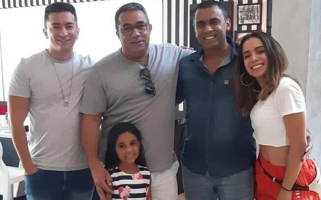 Anitta e família
