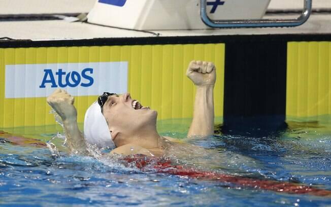 Henrique Rodrigues se emociona com ouro no 400m medley. Foto: Satiro Sodre/SSPress