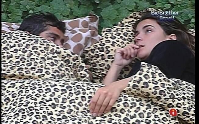 Laisa fala para Yuri sobre sua conversa com João Carvalho