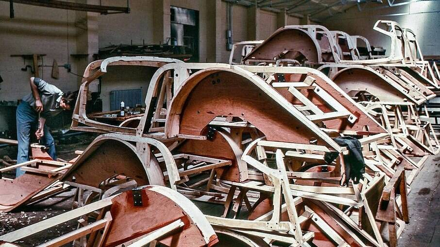A Morgan Motor Company, desde 1910, usa madeira como matéria-prima principal na produção de seus carros