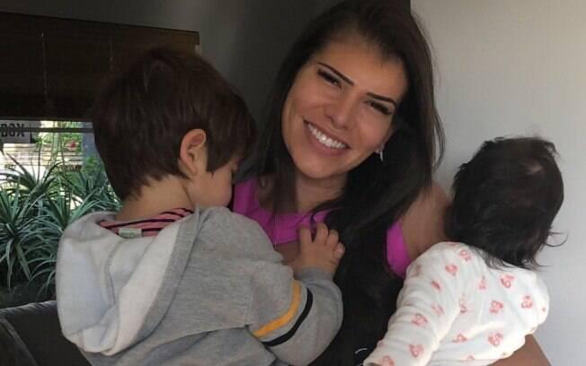Larissa Manoela ironizou em comentário na foto da ex-BBB Adriana Sant'Anna