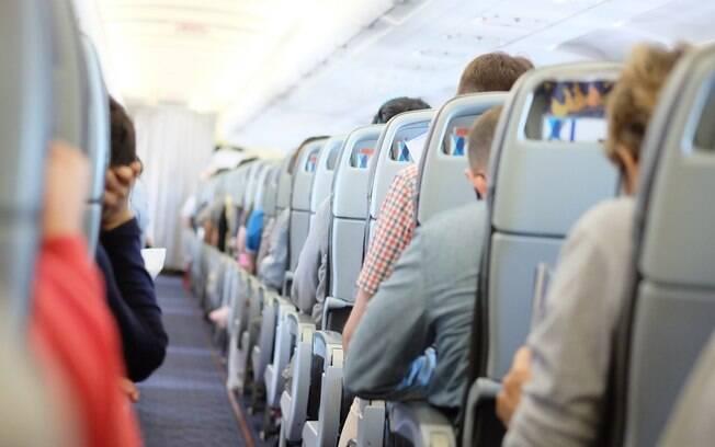 Fazer sexo no avião é um fetiche para muitos, mas pode ter consequências bastante constrangedoras