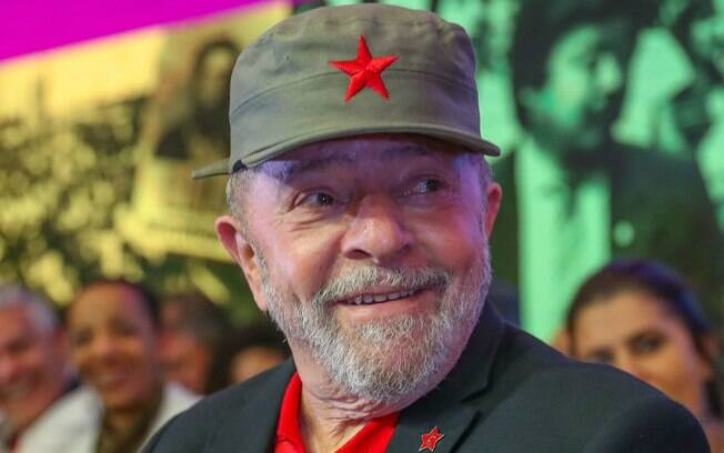 Ex-presidente Lula afirmou que vai a Porto Alegre para participar de perto do seu julgamento no TRF-4; ele quer ser ouvido