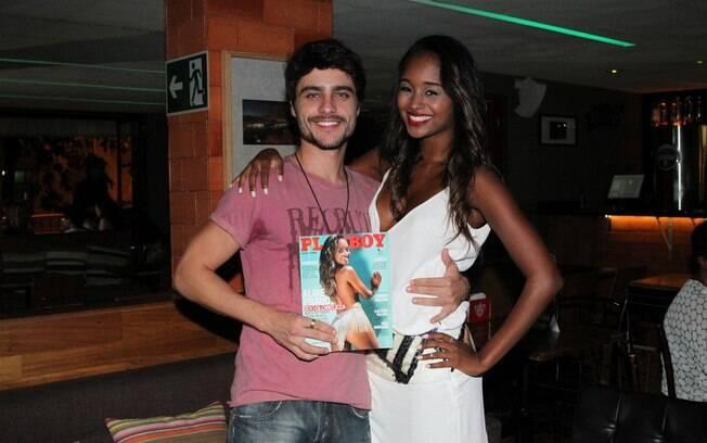 Guilherme Leicam foi ao lançamento da 'Playboy' da ex-Globeleza