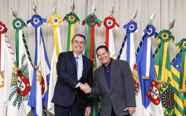 Chapa vencedora nas eleições 2018 formada por Jair Bolsonaro e Hamilton Mourão deve ser analisada na CPI que irá investigar fake news