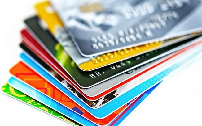 Juros do cartão de crédito tem alta em 2016