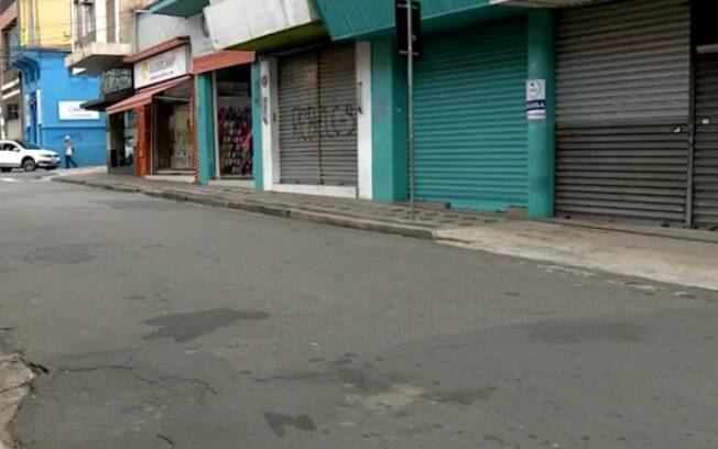 Pandemia faz comércios tradicionais de Campinas fecharem as portas