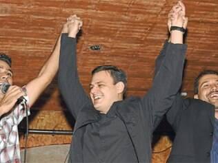 Carlão usou a festa de aniversário, com o apoio de Léo, para promover o nome do filho do prefeito, Carlaile Antônio, para deputado