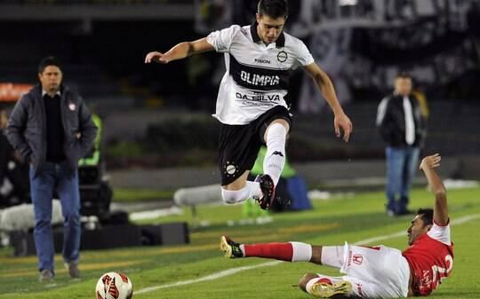 No sufoco, Olimpia segura Santa Fé e vai à final 11 anos depois - Futebol - iG