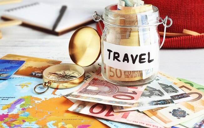 Desde fazer escalas mais demoradas até turismo colaborativo, casal dá dicas de como economizar em viagem