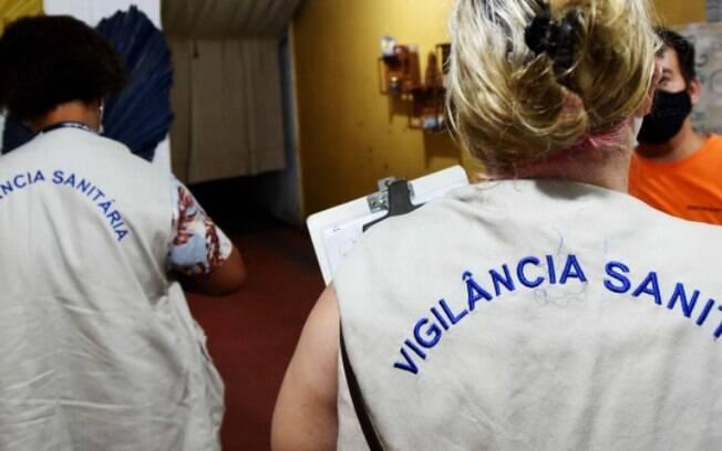 Covid: Prefeitura autua comércio com funcionários sem máscara em Campinas