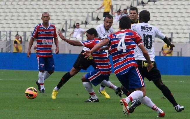 Pela Copa do Nordeste, Fortaleza e Sport  empataram sem gols na reabertura do Castelão, no  dia 27/1