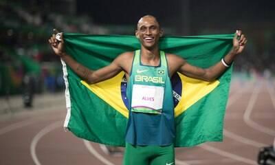 Alison dos Santos chega à semifinal dos 400 metros com barreiras