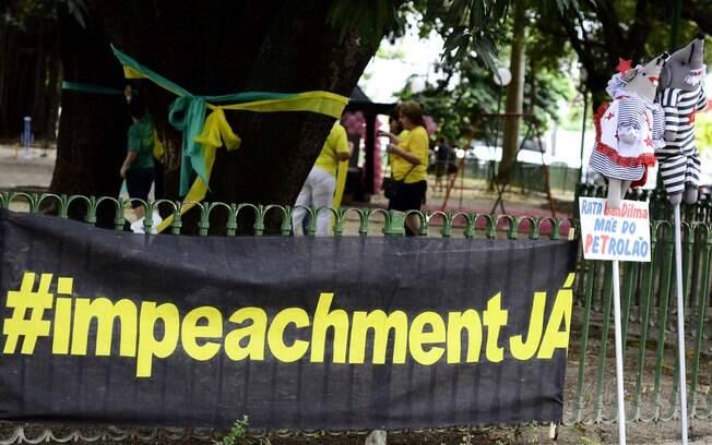 Alguns movimentos, como o Vem Pra Rua, pedem o Impeachement de Dilma Rousseff