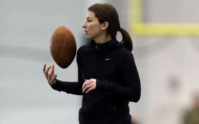 Lauren Silberman, norte-americana, primeira  mulher a participar de testes na NFL