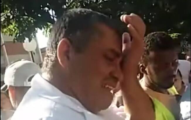 Ambulante se emociona com socorro dos moradores em praça de Montes Claros