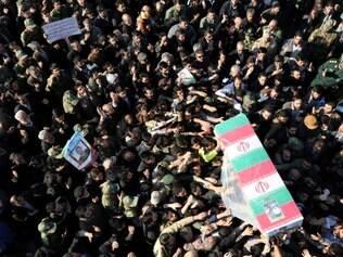 Iranianos prestam homenagens a general morto em ataque israelense