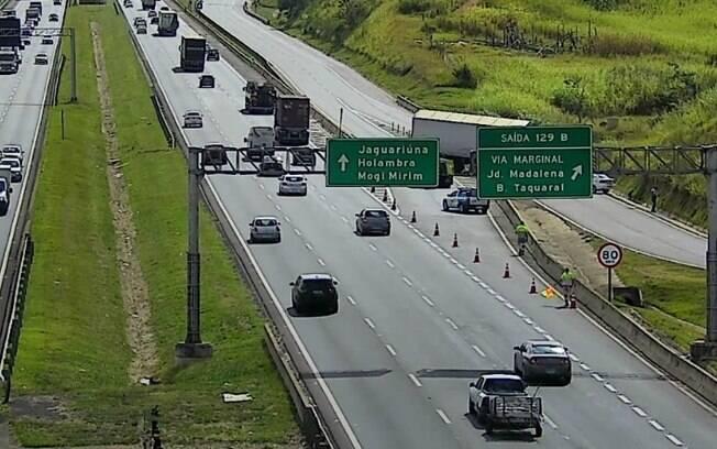 Motorista morre após perder controle de caminhão na D. Pedro, em Campinas
