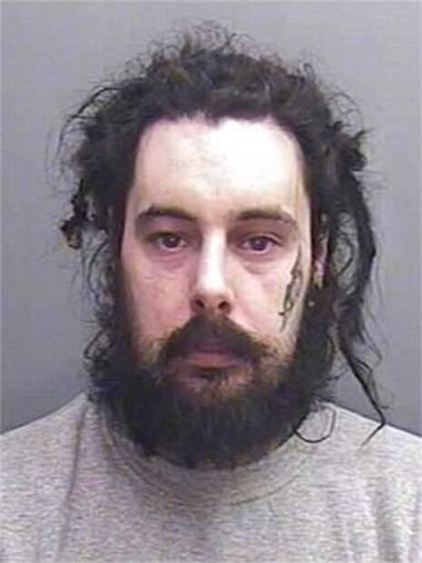 Dean Lowe foi condenado pelo homicídio da namorada no ano passado