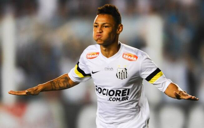 Neílton marcou duas vezes pelo Santos