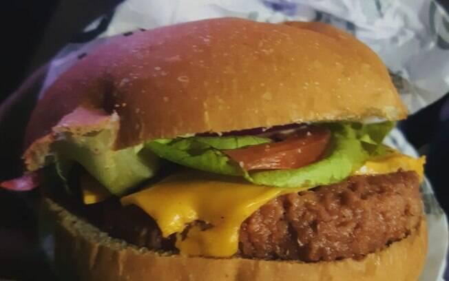 A nova versão do Futuro Burger é focada em um sabor menos artificial e menos carboidratos e calorias