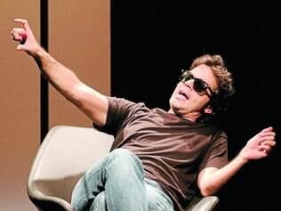 Mazzeo vive  um desabrigado, um rock star, um empresário,  ente outros tipos