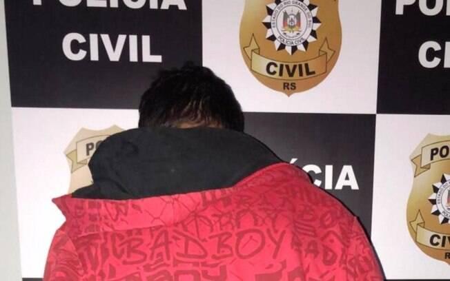 Homem foi preso em Cachoeirinha, no Rio Grande do Sul, acusado de estuprar enteada de 7 anos