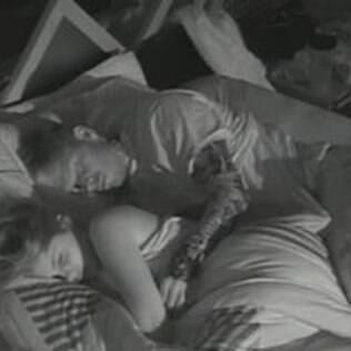 Brigas, provocações e romance são os destaque da madrugada