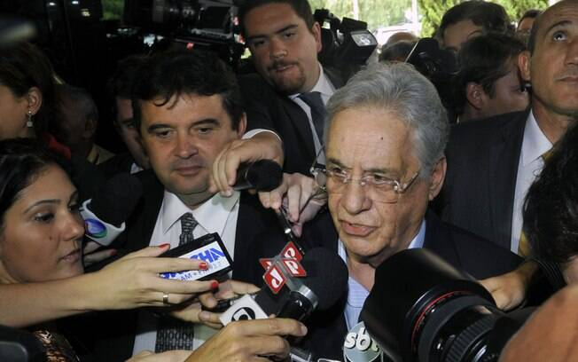 Ex-presidente Fernando Henrique Cardoso vota em Higienópolis; ele cobrou 'respeito à Constituição' do presidente eleito
