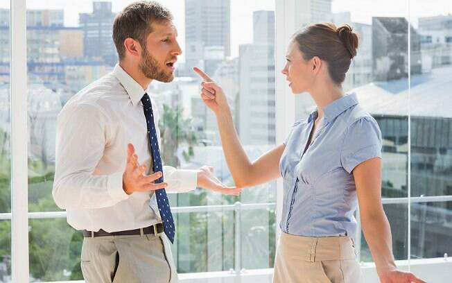 Homem atual é mais grosseiro do que antes, segundo 44% dos homens consultados por pesquisa